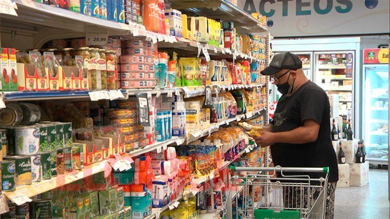 Ahora el gobierno apunta a acordar una canasta ampliada para contener la suba de precios
